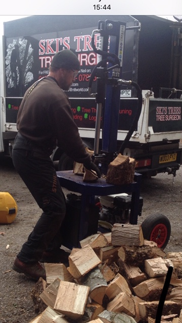wood chopping machine